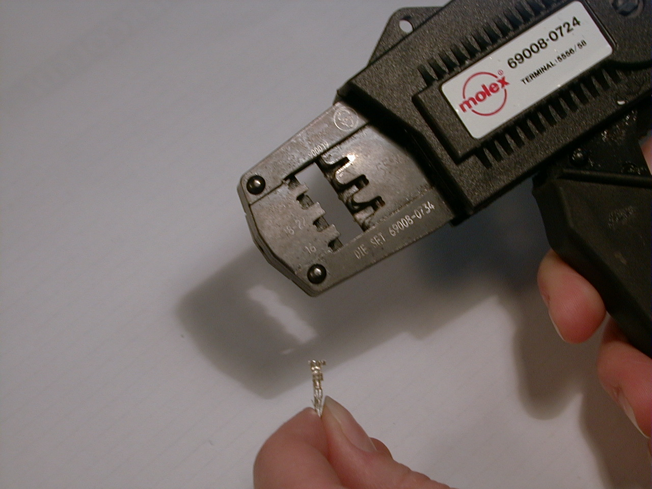 how to crimp molex connectors. Black Bedroom Furniture Sets. Home Design Ideas